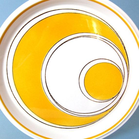 4 Vintage Mod Mikasa Light 'n Lively Sundance Yellow Dinner Plates