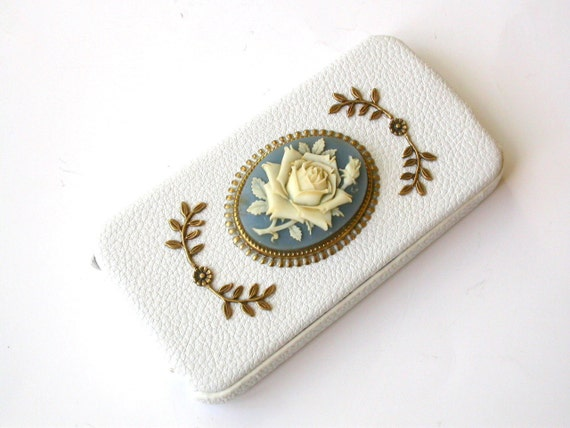 White  Leather Flip Case for iPhone 4 and 4s - Vintage Victorian Cameo iPhone case