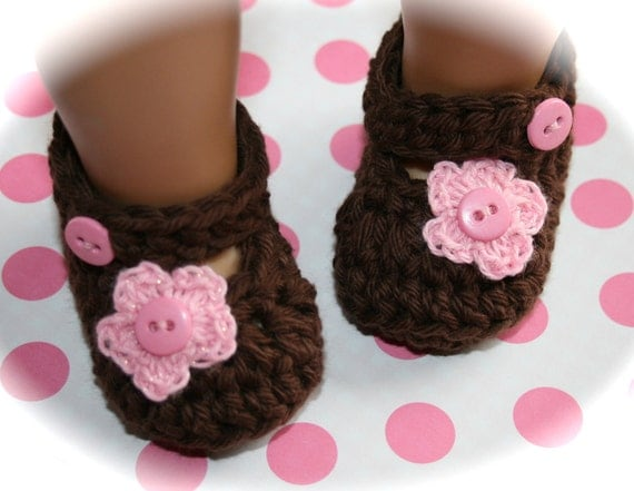100% cotton crochet knit chocolate brown shoes baby booties mary janes pink flower brown and pink buttons newborn photo prop easter shoes