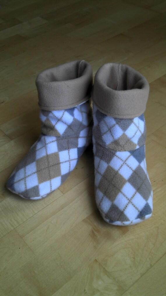 Adult fleece slipper socks, white and tan argyle, double layered & reversible