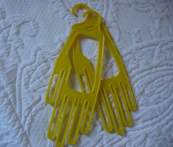 Vintage Gloves Dryers Stretchers 1950s Nevco Yellow Plastic Hand Form Laundry Accessory Housewares