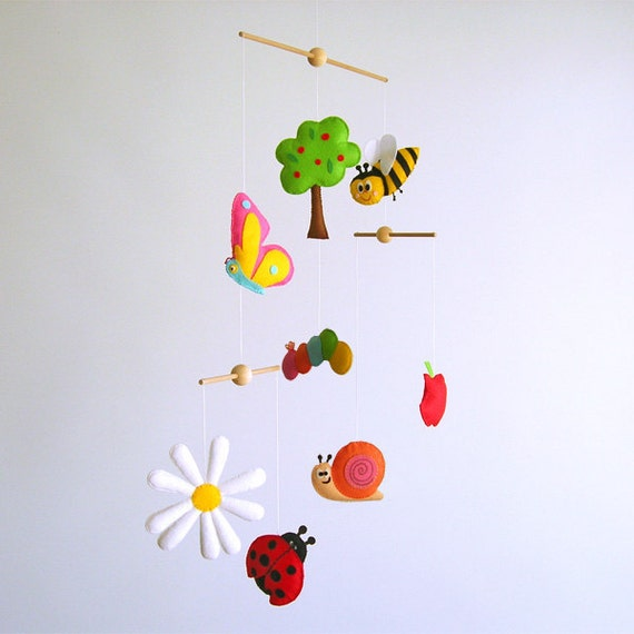 Very Cute Nature and garden Deco Mobile. Choose your colors for an unique baby nursery mobile