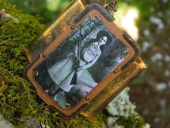 Annie Oakley bracelet womens copper mixed media metal paper Sarah Wood
