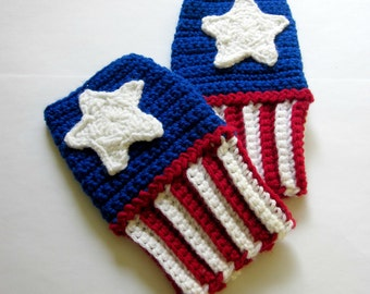 Geeky Gauntlets. Captain America Inspired Wristwarmers. Super Hero Series Fingerless Glove. Crochet Avengers Marvel Comics Cosplay Accessory