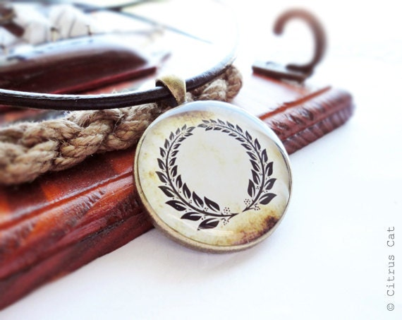 Vintage laurel wreath necklace - unisex jewelry. Men's pendant, for him, laurel jewelry, glory, victory, father's day