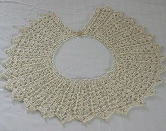 Ladies Handmade Vintage Light Ecru Crocheted Collar With Mother Of Pearl Button Closure, Fashion Accessory, Gift Item for Mother's Day