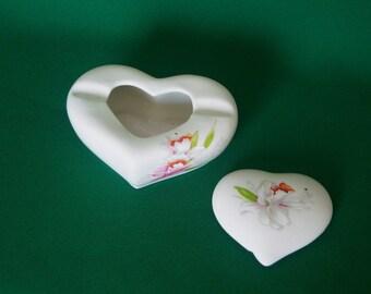 Vintage Ceramic Ashtray, Heart Shaped Ashtray With Cover, Made In Taiwan, Unique Decorative Ashtray