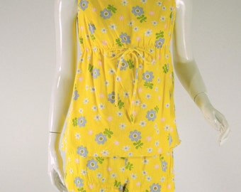 60s Yellow Floral Top & Shorts Set. Flower Power - sm, med