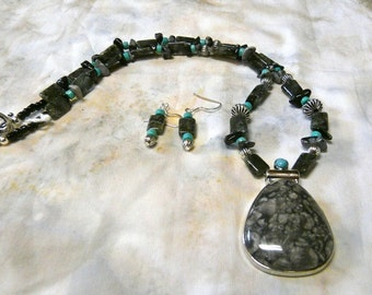 21 Inch Black and Gray Snowflake and Turquoise Jasper Necklace with Pendant and Earrings