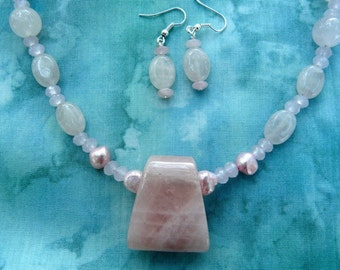 SALE!   19 Inch Rose Quartz and Pink Pearl Necklace with Pendant and Earrings