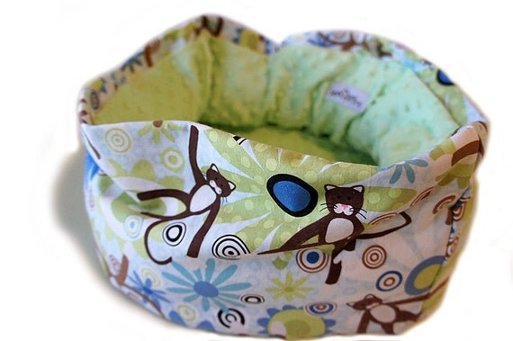Sock Monkey Kitty Pet Bed 14 Inch Round Slip-proof Waterproof Base Dog Cat Couture Travel Collapsible Washable Drawstring Bag