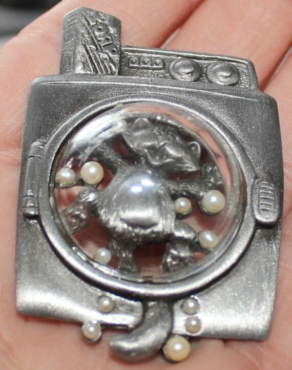 vintage marked AJC pewter washing machine cat brooch  r15