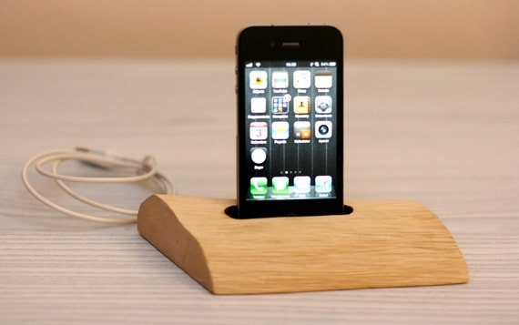 Home decor / iPhone wooden docking station / charge, sync, 3G, 3GS, 4, 4S