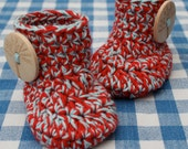 Crochet Baby Booties, Wooden Button, 100 % cotton, Newborn