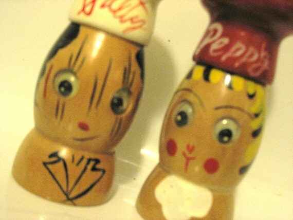 SALE Napco Wooden Chef Googly-Eyed Salt & Pepper Shakers Hand Painted Made In Japan