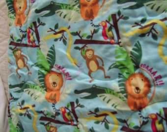 Jungle Animals Flannel Baby Nursery Crib Blanket Lap Comforter Quilt Wallhanging with Free Pair of Baby Socks