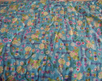 Frogs in My Garden Flannel Baby Nursery Crib Blanket Lap Comforter Quilt with Free Pair of Baby Socks