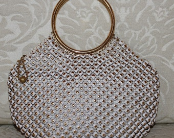 Rare Vintage 1960s Whiting & Davis Small Mesh Cream Gold Ring Handle Purse