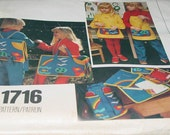 Vintage Vogue 1716 Backpack Apron school accessories for toddlers Size small Uncut
