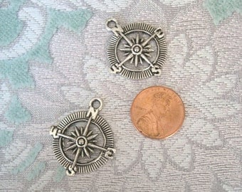 Compass Charm/Pendant in Antique Silver (4)