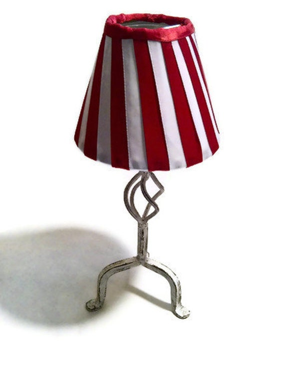 Red and white candy cane stripe holiday 'skinny lamp' shade