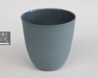 beaker - porcelain (slate colour)