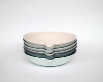 lip bowl - porcelain (concrete colour)