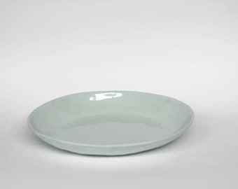 organic entree plate - porcelain (glacier colour)