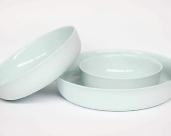 nesting bowl large - porcelain (glacier colour)