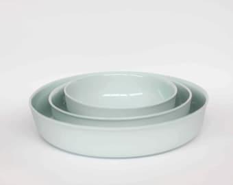 nesting bowl medium - porcelain (glacier colour)