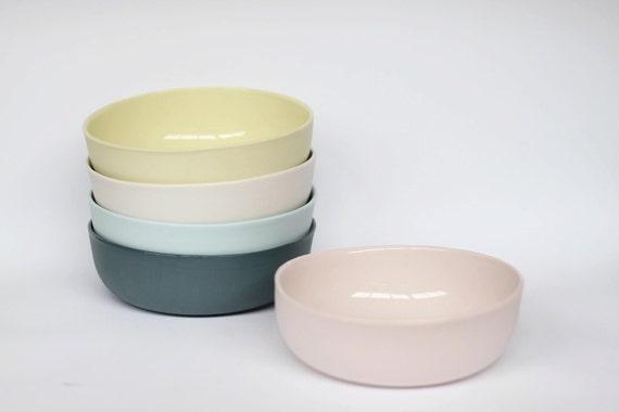 nesting bowl medium - porcelain (cherub pink colour)