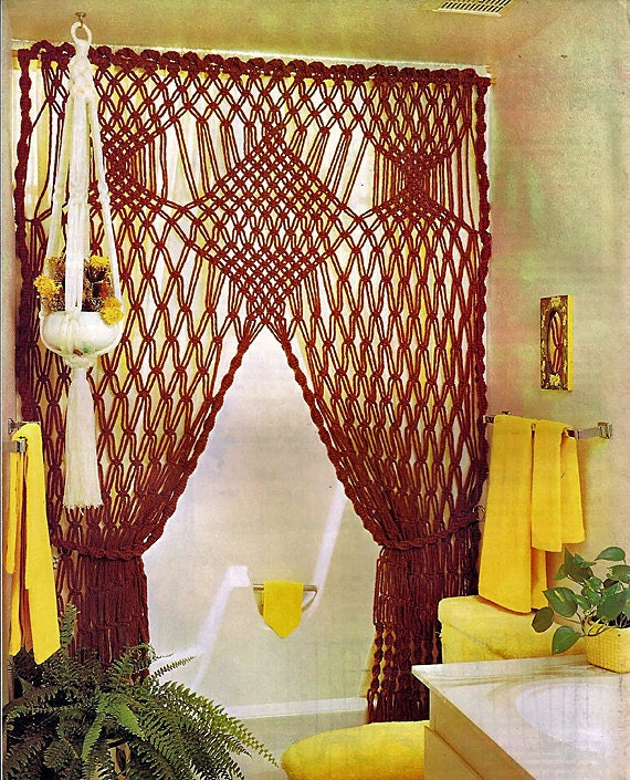 Macrame Moods: Exciting New Designs Including Macra-Weaving and Macra-Sculpture MM122