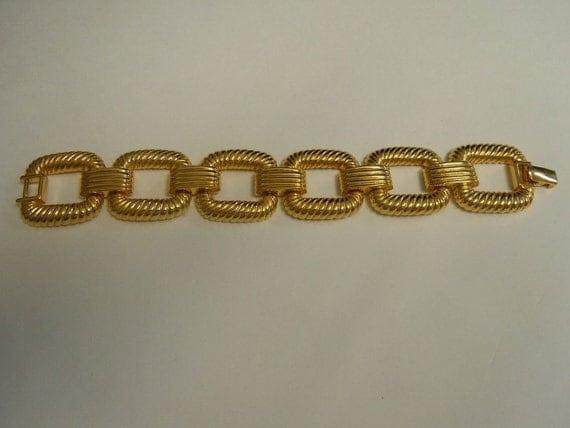 Heavy Gold Ribbed Square Link Bracelet