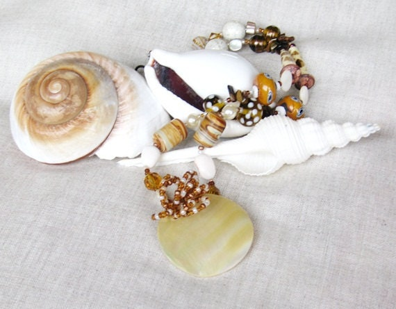Reserved for Leonie Bead necklace cream pearl pendant handmade