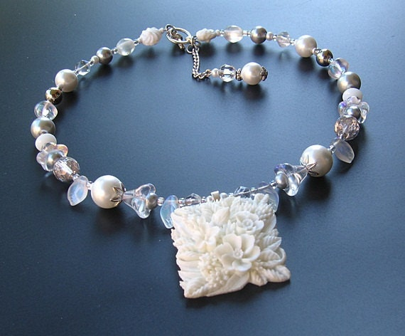 White flower beaded necklace handmade