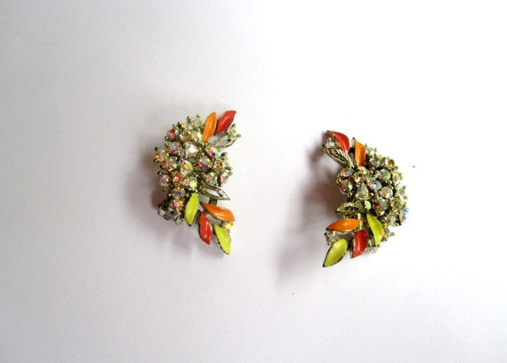 Lisner Enamel and Rhinestone Clip On Earrings 1950s Vintage Jewelry