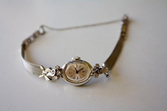 vintage gruen women 39 s silver watch. Black Bedroom Furniture Sets. Home Design Ideas