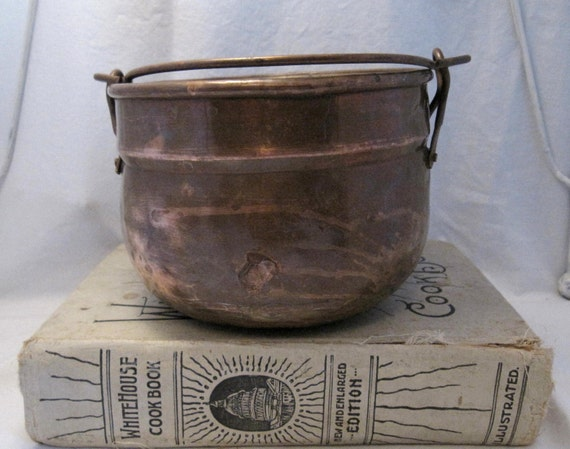 SALE  Vintage rustic primitive Copper Pot Shabby French Country Cottage Chic Farmhouse