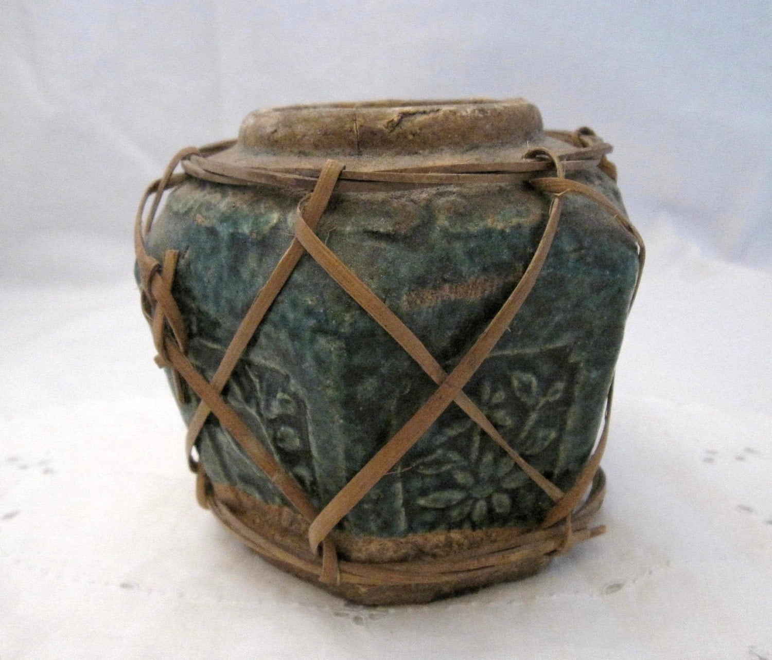antique green pottery chinese ginger jar pot shabby french. Black Bedroom Furniture Sets. Home Design Ideas