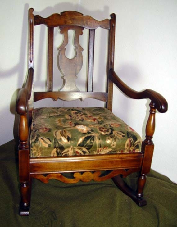 Antique rocking chair maple from northwest furniture for Furniture northwest