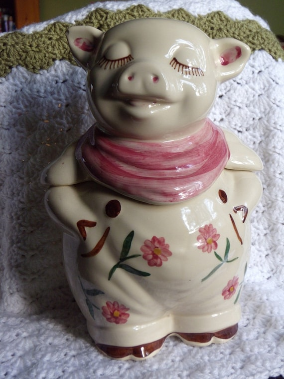 Vintage Shawnee Pottery Winnie Pig Cookie By