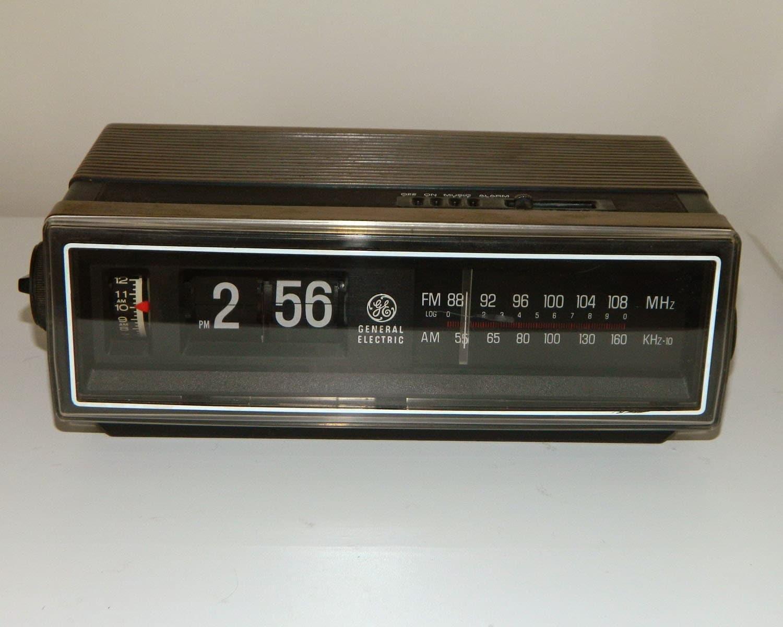 1970s Flip Clock Radio