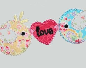INSTANT DOWNLOAD Two Little Love Birds Valentine  Machine Embroidery Applique Design