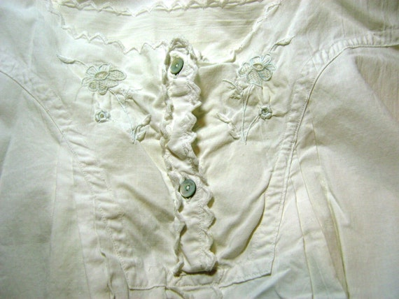 Early 1900s Beautiful Linen Nighgown with Tiny Crochet or Tatting Work and Shell or MOP Buttons, Flared Bottom with Gussets Nice and Roomy