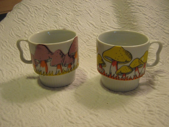 70s Groovy Mushrooms or Toadstools Coffee Cups in Excellent Condition Marked Japan in Pink, Orange and Yellow - Vintage Mugs