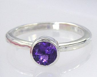 Silver Amethyst Solitaire Ring. Round Amethyst and Sterling Silver Handmade Ring. AM36
