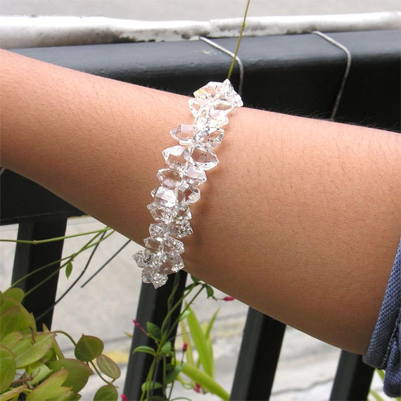 healing herkimer diamond bracelet 8 inches length - enhydro quartz with moving water bubbles - glow in the dark