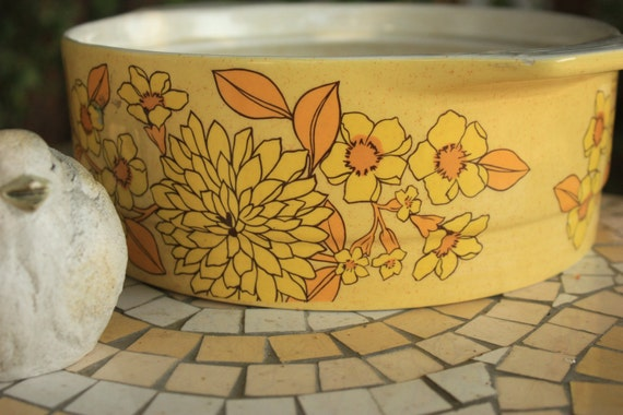Sunny Vintage Irish Casserole Dish Made in Ireland by Brendan Erin Stone