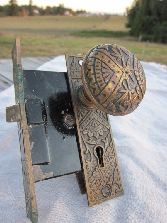 Antique door knob 1920s branford moroccan engraved for 1920 door knobs