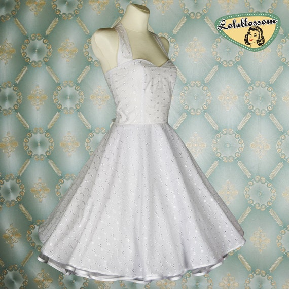 50's vintage wedding dress white cotton embroidery in Size S European 36